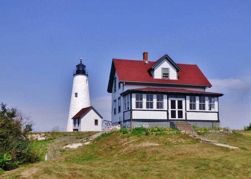 Bakers Island Lighthouse. Photo credit: Logan Goodwin